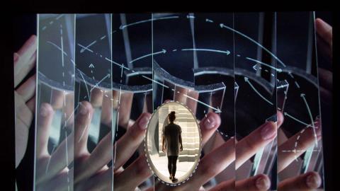 Es Devlin - Orphée mirrors