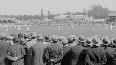 Australians' First Match  Topical Budget 506-1