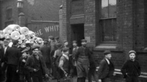 Employees at White Cross & Co. Ltd Wire Works, Warrington (1900)