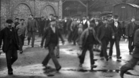 Employees at Walker Engineering Works, Wigan (1900)