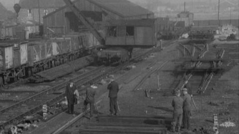 Assembling track at Chalk Lane Sidings, Hull