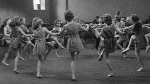 Cornish Gorsedh Dancing