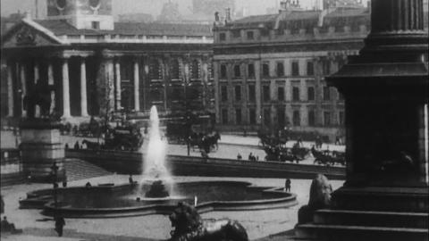 London Street Scenes - Trafalgar Square