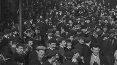20,000 Employees Entering Lord Armstrong's Elswick Works (1900)