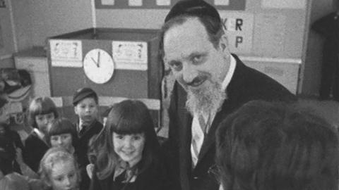 Chief Rabbi Visits Birmingham