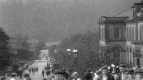 Workforce Leaving Salt's Works in Saltaire (1900)