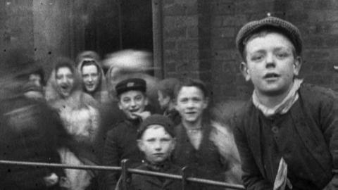 Workers Leaving a Factory in Droylsden (1901)