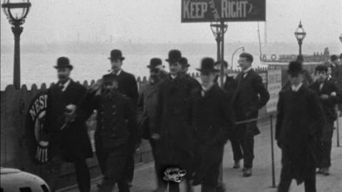 Scenes at Egremont Ferry (1901)