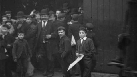 Workforce Leaving Smith & Coventry Works, Ordsall Lane, Salford (c.1901)