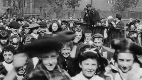 Parade of Schoolchildren (c.1902)