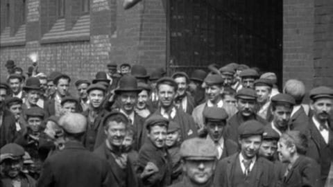 Employees Leaving Crossley's Works, Openshaw (1900)
