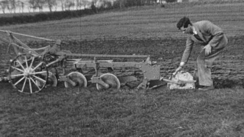 Tractor Ploughing: plough setting