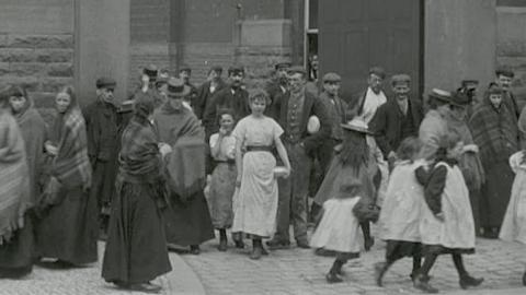 Workforce at Horrocks Miller & Co. Preston (c.1901)