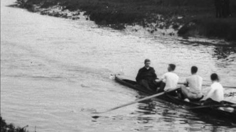 Kingston Rowing Club at Practice (1902)