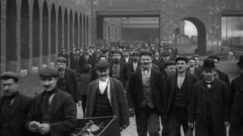 Workers at Barlow and Tweedale Ironworks, Castleton Nr Rochdale (1905)
