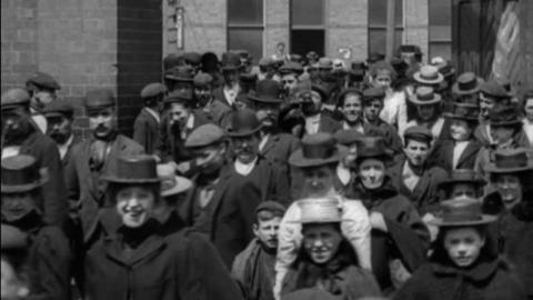 Workers at Kynoch Ltd Lion Works, Birmingham (1901)