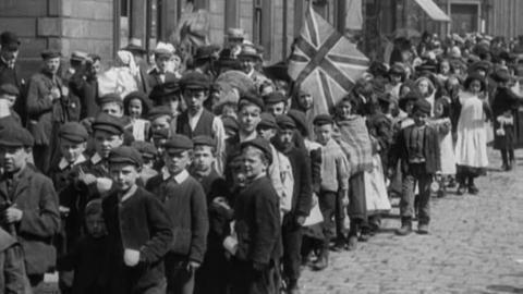 Treat to 5000 Poor Burnley Children (1905)