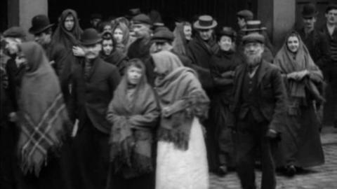 Workforce of Howarth's Ordsall Mill, Salford (1900)