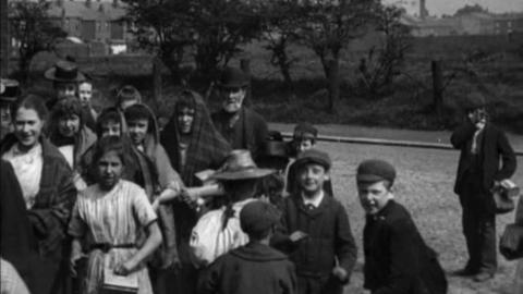 Workpeople Leaving Ryland's Mill, Gorton, Manchester (1900)