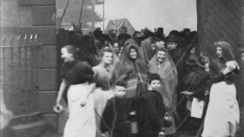Workforce of Ormerod's Mill, Great Moor Street, Bolton (1900)