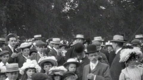 Scenes in Abington Park, Northampton (1902)