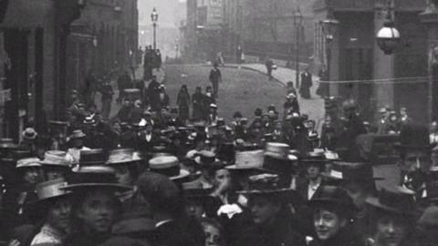 Workpeople and Girls on Stoney Street, Nottingham (1900)