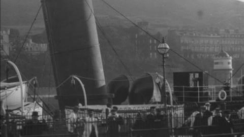 Douglas Harbour Paddle Steamer (1902)