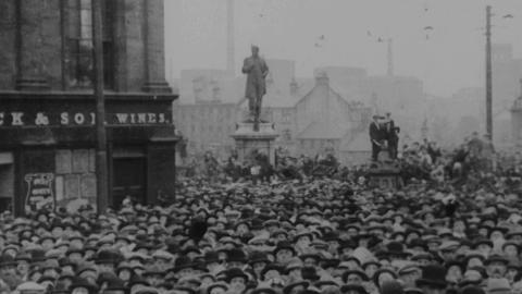 Unveiling of Paisley War Memorial