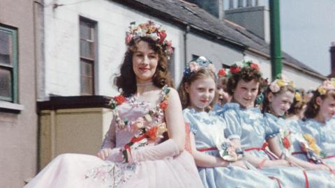 Holywood May Queen and Maypole dance (1958)