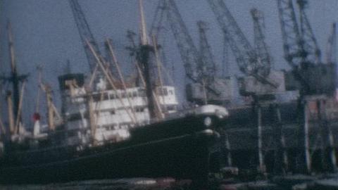 Boulter Family Films: London dockers, Royal Albert Dock (1964)