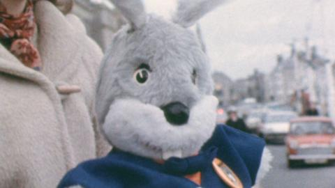 TV mascot Gus Honeybun in Weymouth Christmas Parade