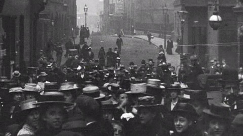 Workpeople and Girls on Stoney Street, Nottingham (1900)